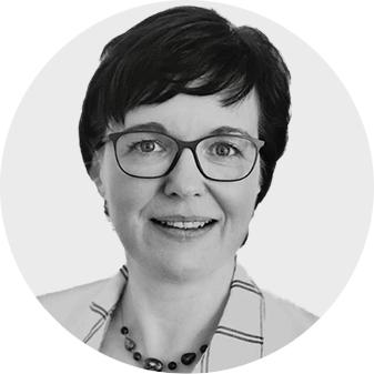 Jana Weber, Immobilienmaklerin, Ankauf, Verkauf, Versicherung, Finanzierung, Hauptstadt, Fonds, Immobilienverwaltung, Immobilienmarketing